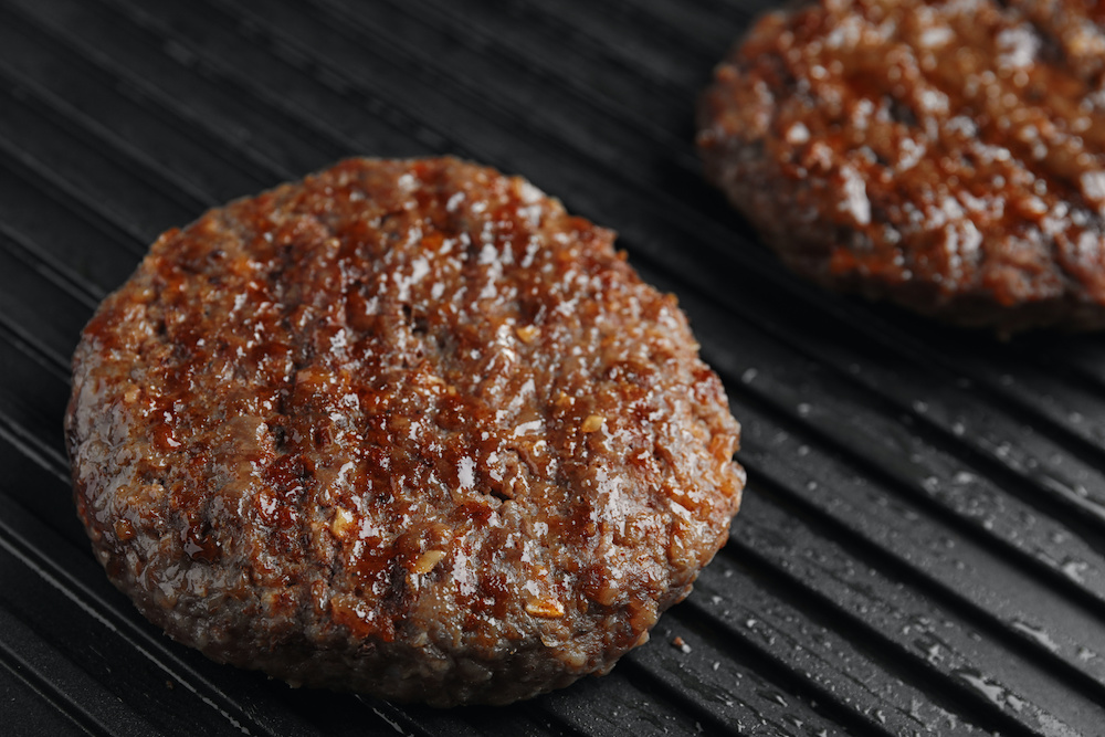 how to use a grill press for hamburgers